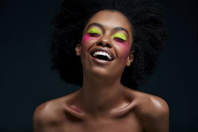 Makeup néon - Actualité