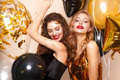 quelles sont les tendances maquillage à adopter pour les fêtes de fin d'année ? Karis vous répond !