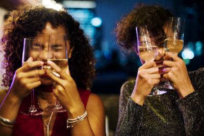 avec la fin d'année qui approche, les fêtes vont s'enchaîner ! Karis Formations vous donne des conseils pour assurer un lendemain de soirée !